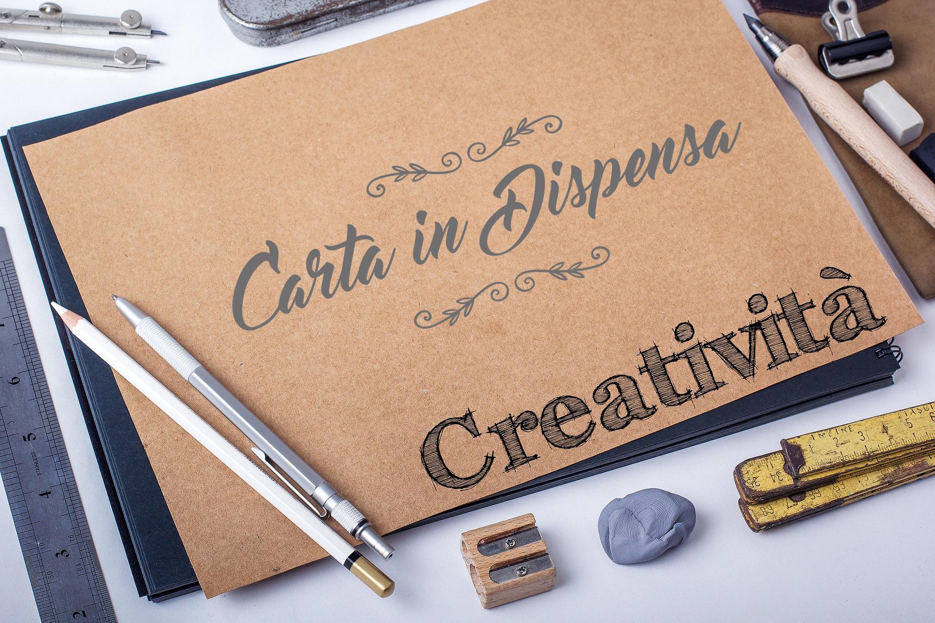 creatività con carta in dispensa