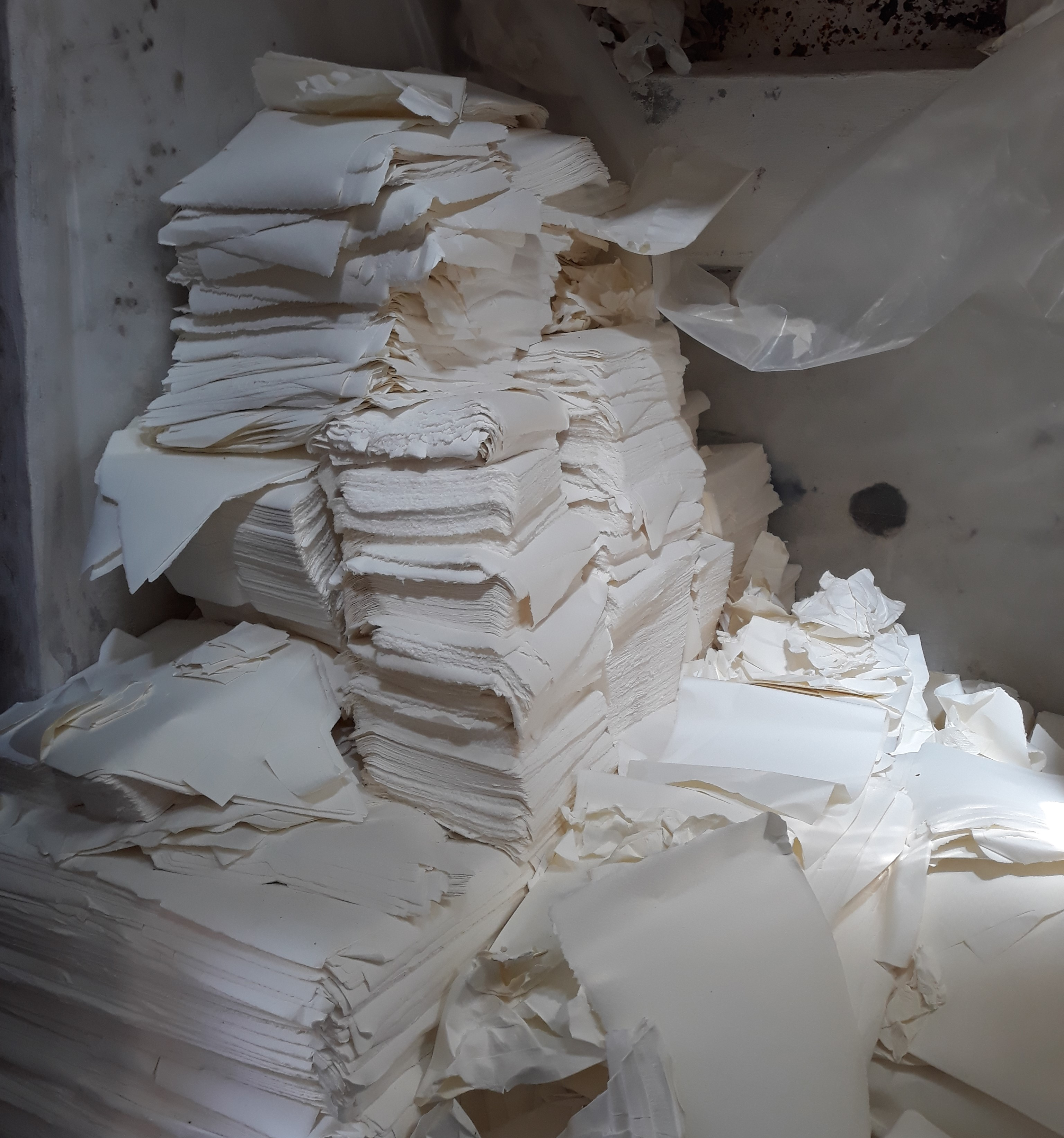 scarti per reimpasto, cartiera amatruda, carta amalfi
