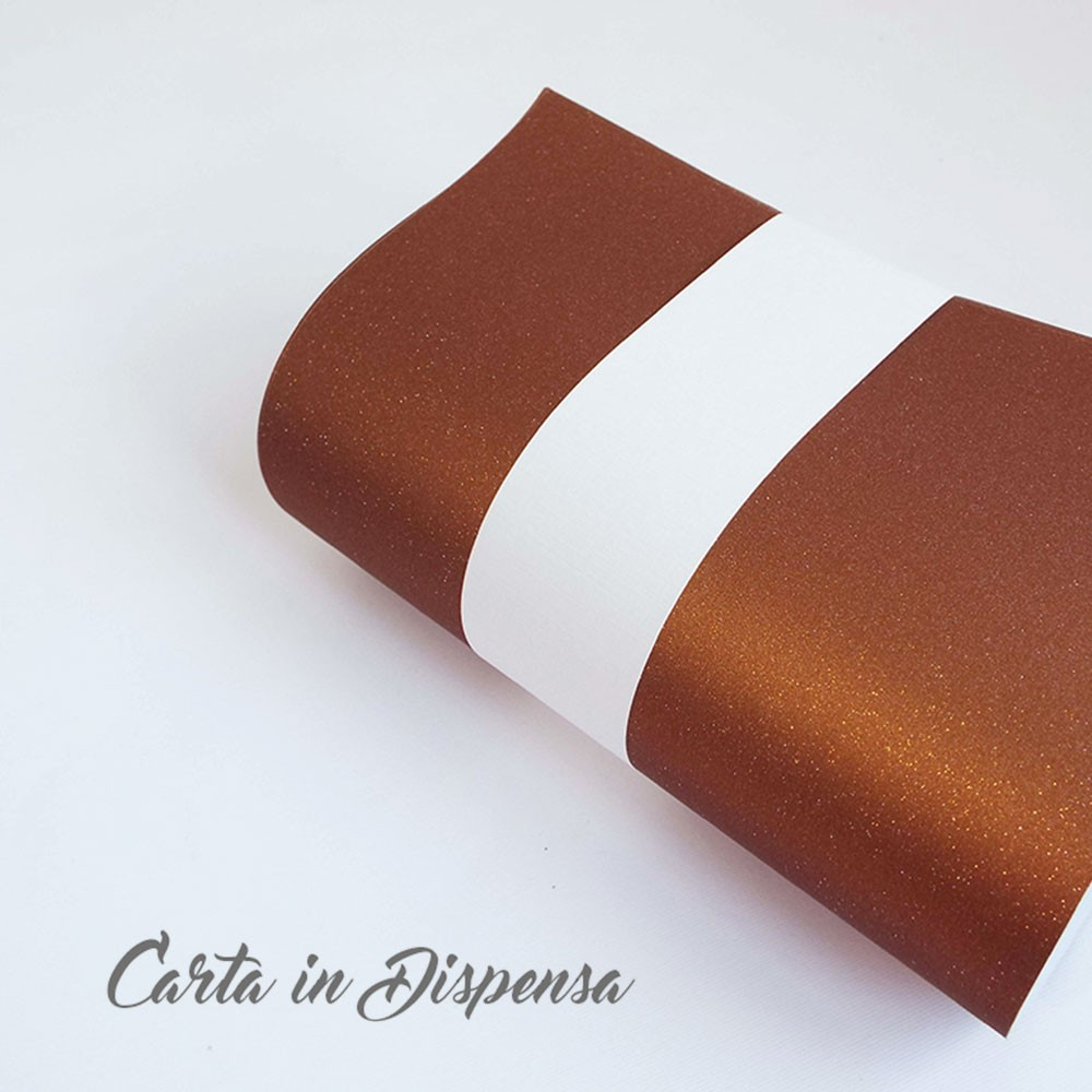 carta con microglittere sabbiata colore marrone effetto bronzo