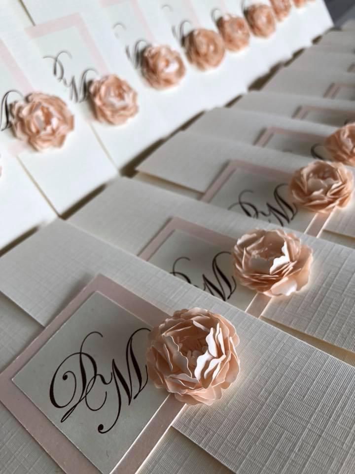 dettagli-partecipazione-matrimonio-carta-telata-avorio-carta-perlata.cipria--carta